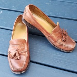 Vintage Cole Haan tan loafers with tassels Sz 9